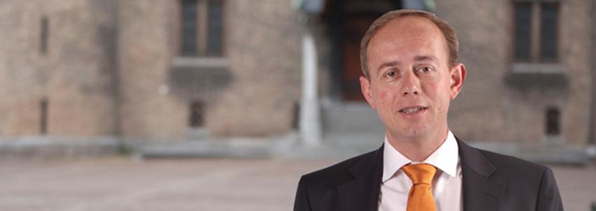Kamervragen van het lid Van der Staaij (SGP) over het bericht dat artsen dronken patiënten op de SEH zat zijn en strengere regels eisen